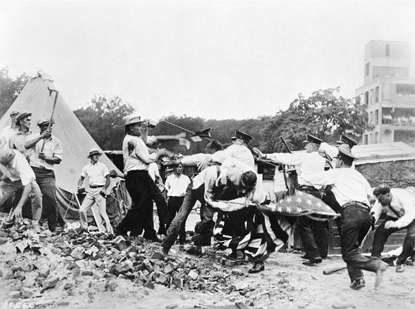 Bonus Army clash with Washington police (The National Archives)